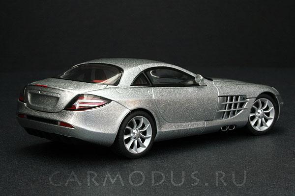 Mercedes-Benz SLR McLaren (2003) – AUTOart 1:43