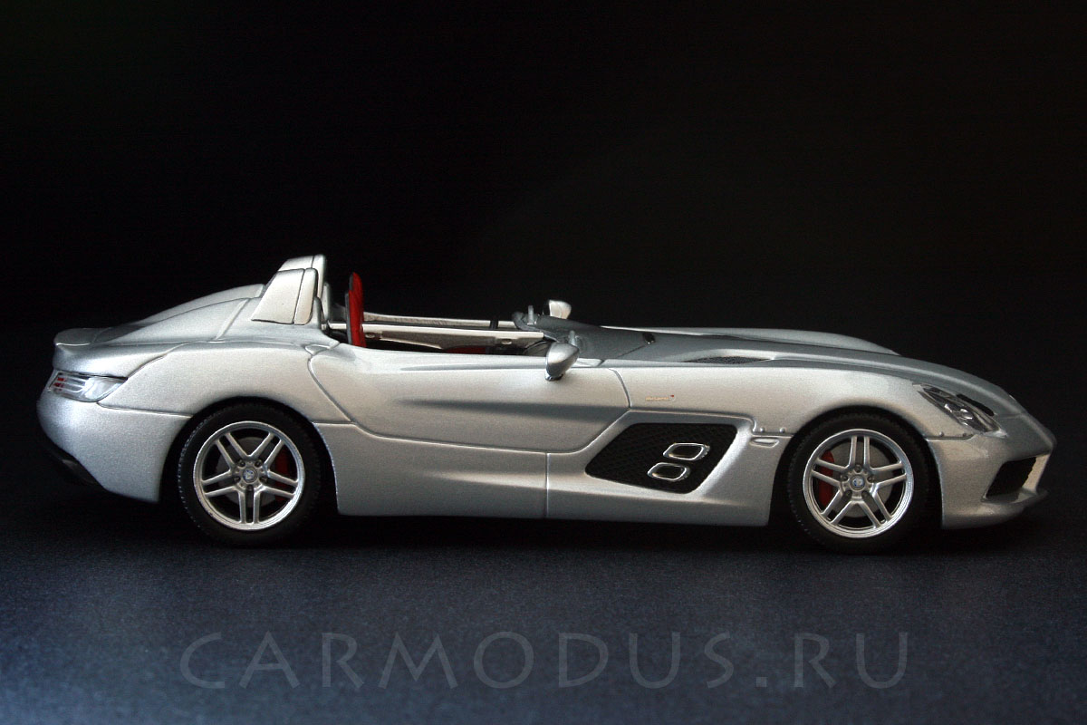 Mercedes-Benz SLR McLaren Stirling Moss (2009) - MINICHAMPS 1:43